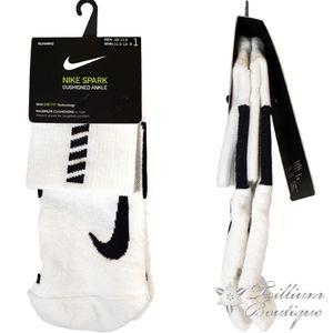 Nike Unisex DRI-FIT Spark Cushioned Ankle Socks
